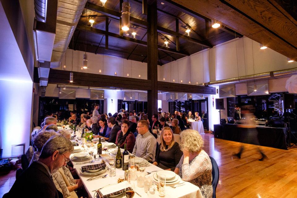 Réception de mariage la nuit au Pavillon de la Jamaique