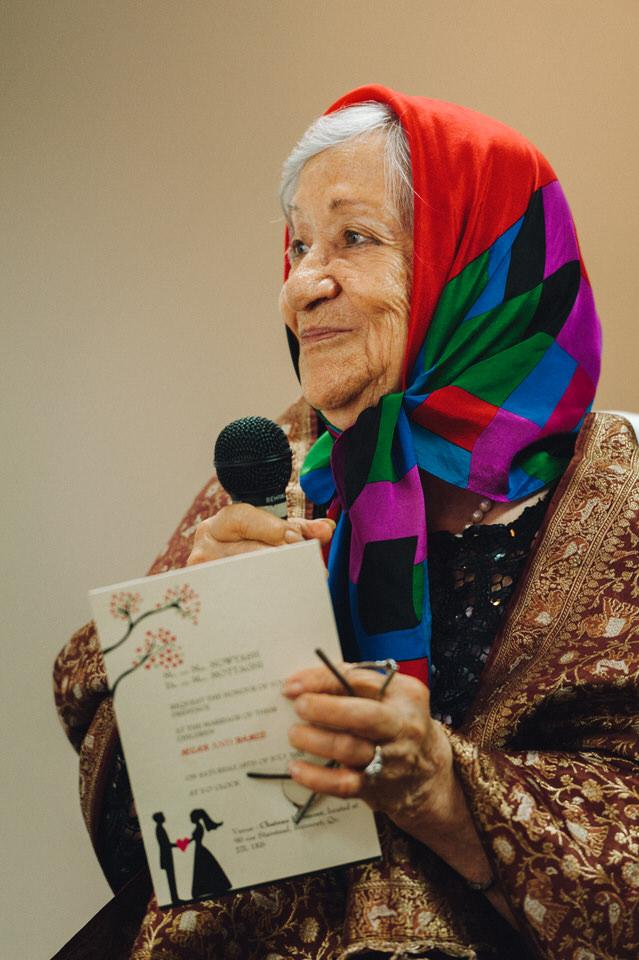Maman Ozma reading a Persian wish