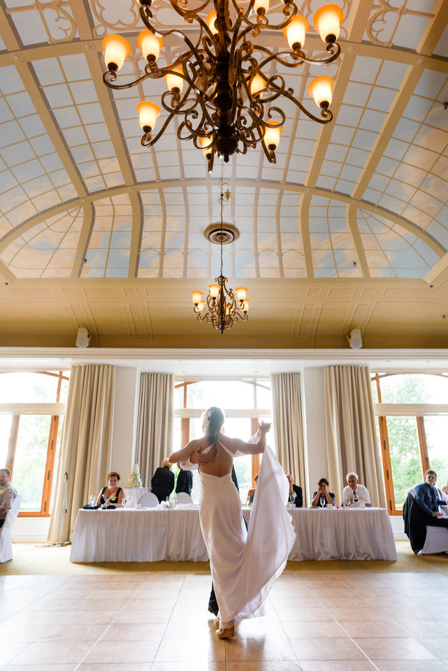 First dance at l'Orangerie hall at Manoir Rouville-Campbell