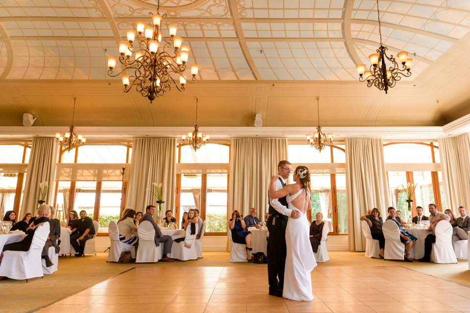 Wedding couple dancing at l'Orangerie hall at Manoir Rouville-Campbell