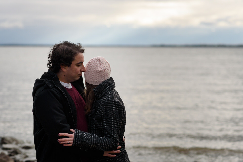 Couple looking at Saint-Laurent river