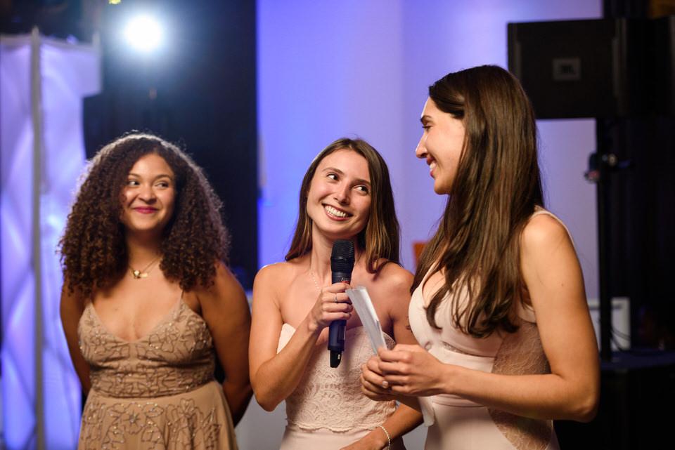 Bridesmaids giving speech at Intercontinental wedding 02