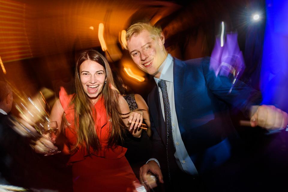 Wedding guests dancing 07