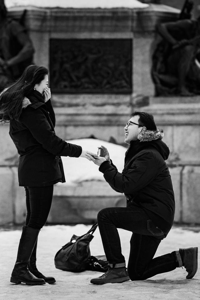 Place d'Armes surprise proposal photos in Montreal 05