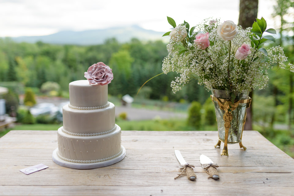Wedding cake with mountain view behind