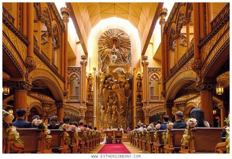 Wedding at Notre-Dame-du-Sacré-Coeur Chapel